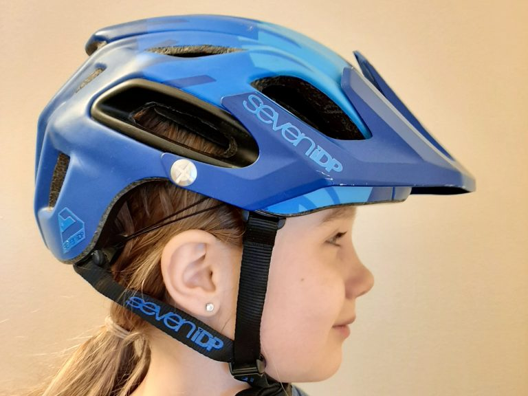 kids bike helmet fit